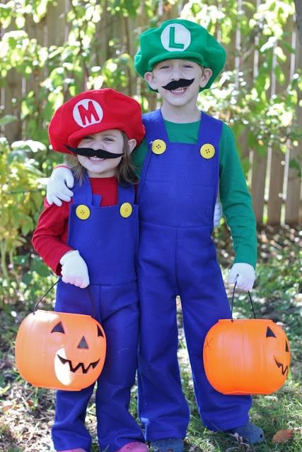 halloween costumes for siblings 11