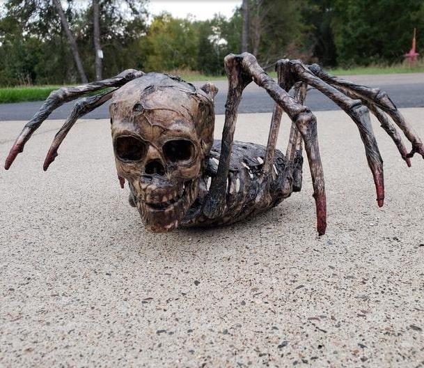 most creepy halloween decoration front yard 10