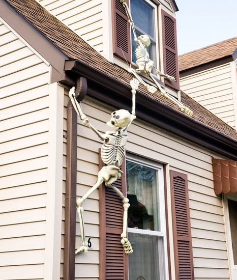 most creepy halloween decoration front yard 20