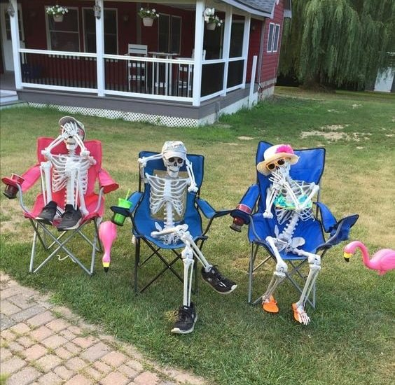 most creepy halloween decoration front yard 21
