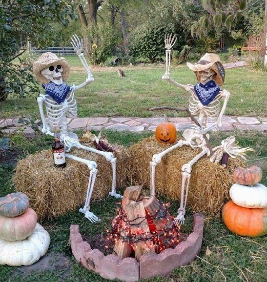 most creepy halloween decoration front yard 3