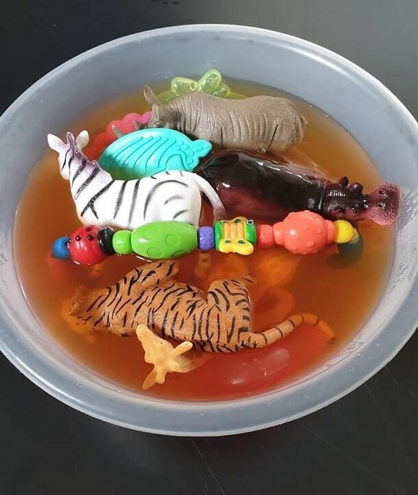 easy sensory activities toddlers preschoolers home 13