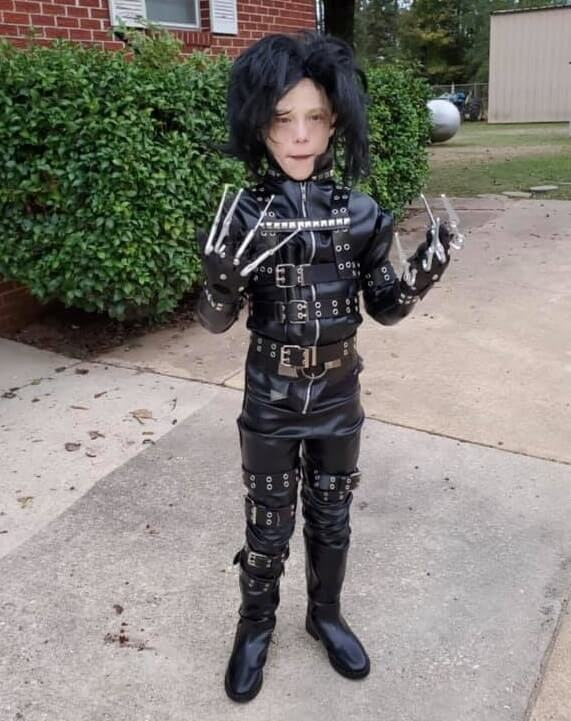 scary and funny halloween costumes for kids 26