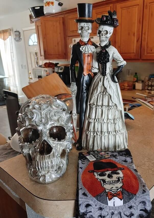 cheap easy diy indoor halloween decoration ideas 3