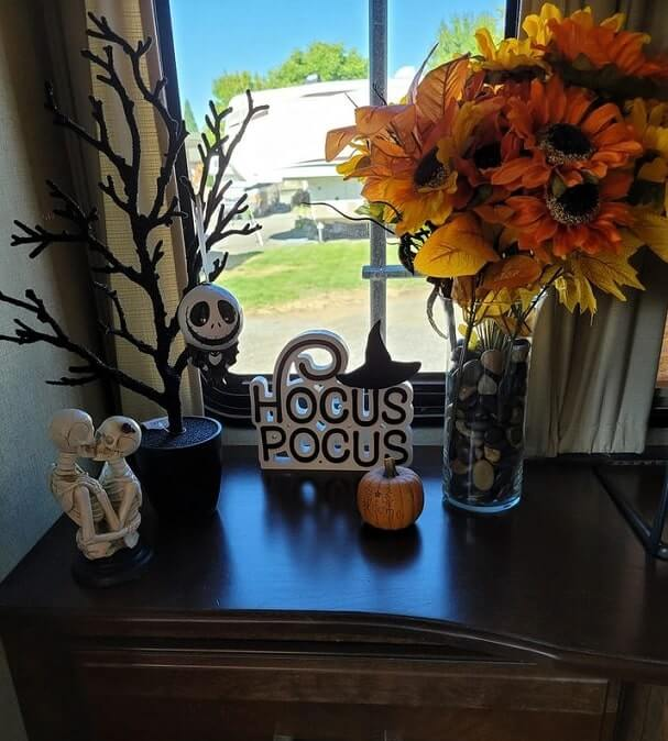 cheap easy diy indoor halloween decoration ideas 5