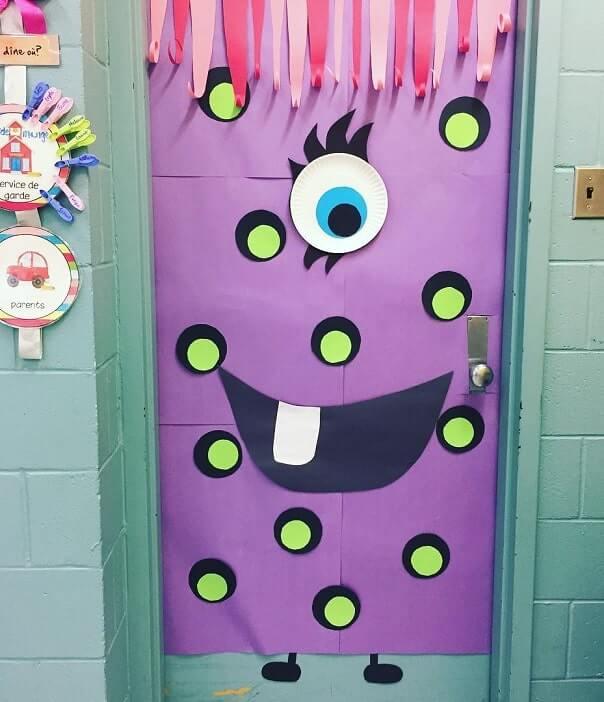 diy halloween door decorations ideas 5