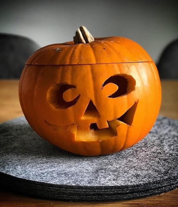 how to carve a pumpkin 3